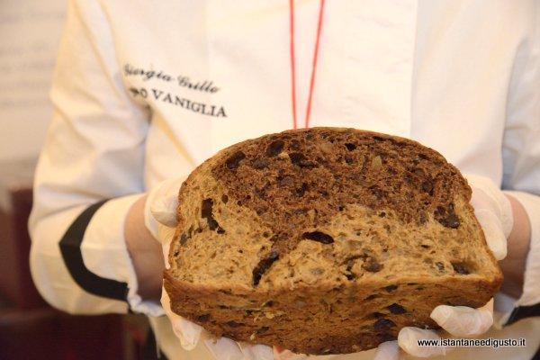Panettone orzo tostato, cioccolato e canditi di limone - Nero Vaniglia