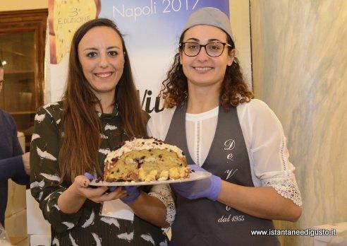 Pasticceria De Vivo - Panettone ai frutti di bosco con ganache alla vaniglia